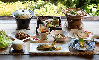 参鶏湯和韓折衷料理